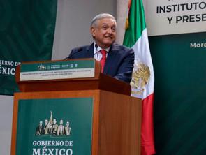Supervisará AMLO hospitales en cinco municipios de Michoacán la próxima semana.