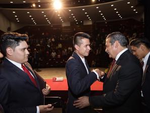 La preparación es constante, exhortó Raúl Morón a alumnos la UMSNH