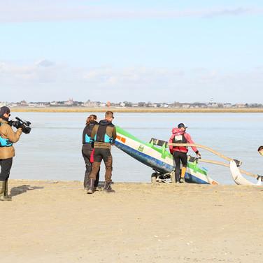 Saison 2 Baie de Somme - Images du tournage : Rémi et Jérémy embarquent pour aller observer les phoques