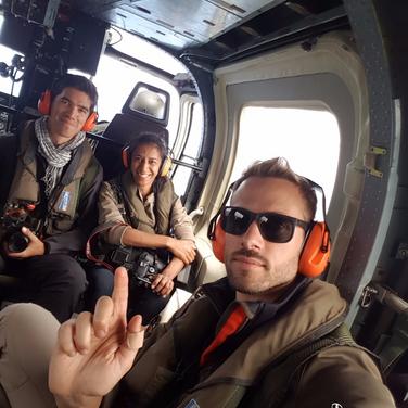 Saison 1 - Ile Maurice - Dans l'hélicoptère à destination de l'Ile Ronde