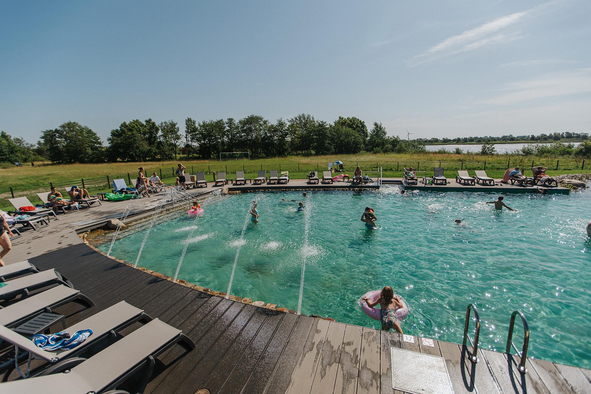 Camping Badeurlaub, Badespaß, Naturteich, Schwimmteich, Schwimmbad