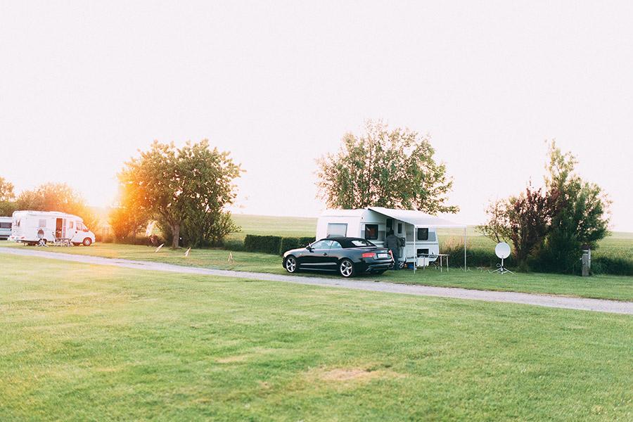 Camping am Deich, Stellplatz, Wohnwagen