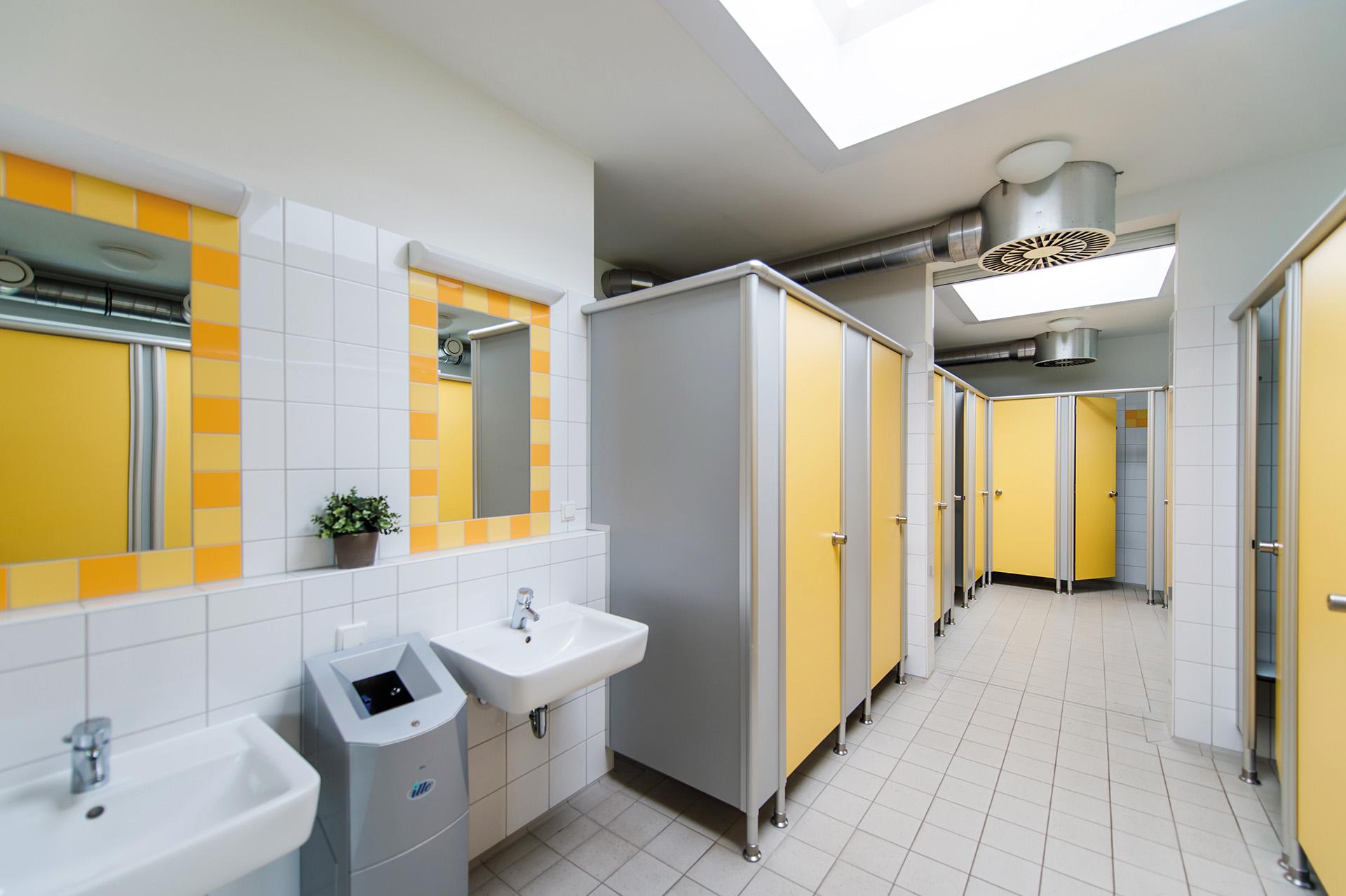 Sanitäranlagen, Duschhaus