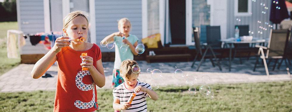 Camping Kinder, familienfreundliches Camping, Kinderwelt, Abenteuer Camping, Camping Spielplatz, kinderprogramm, angebote für kinder, kinder animation, ferienspaß, sommerferien