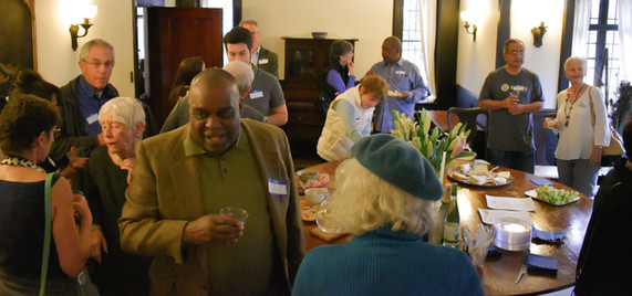 Alvin McGowen and other Mia supporters