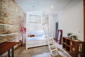 Bed (4).jpg