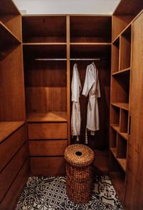 Wardrobe room (1).jpg