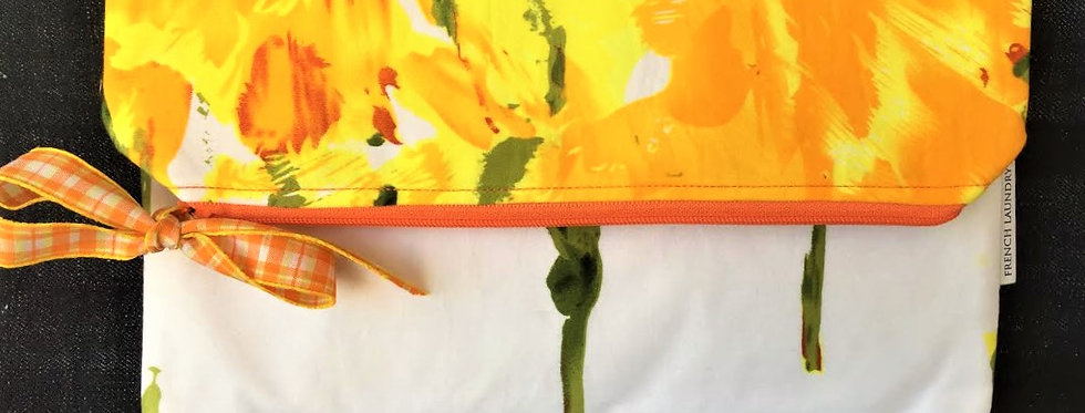 Large spring yellow pochette