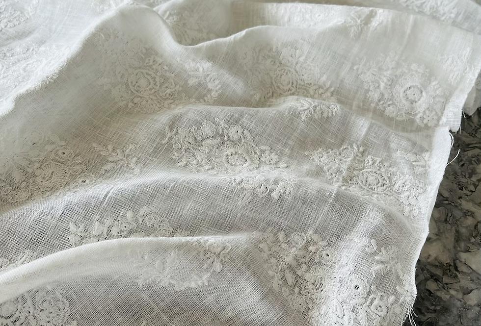 """Ralph Lauren Embroidered """"Imari"""" Linen"""