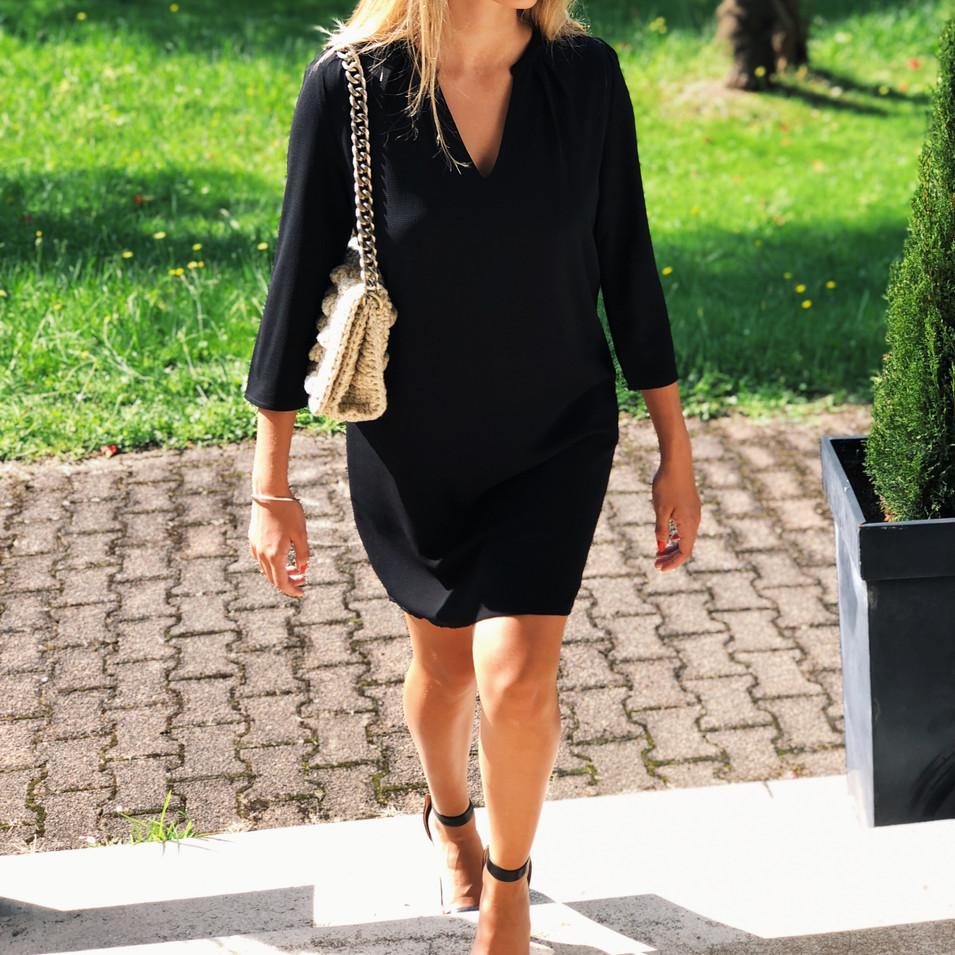 photo robe noire.jpg