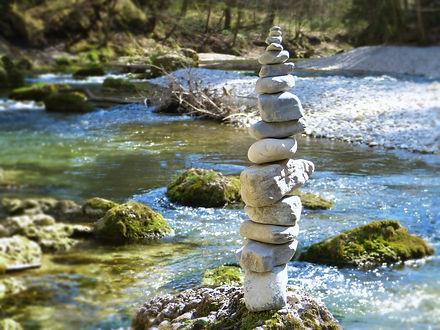 stones-5039413_1920.jpg