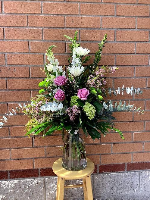Arrangement funéraire / vase et fleurs