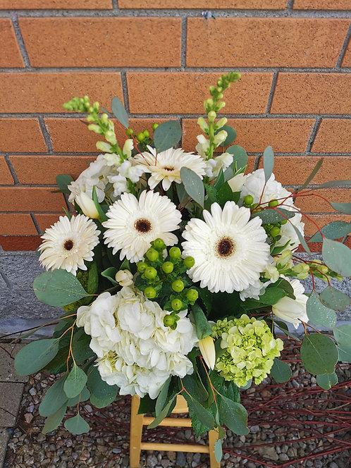 Arrangement funéraire / vase court