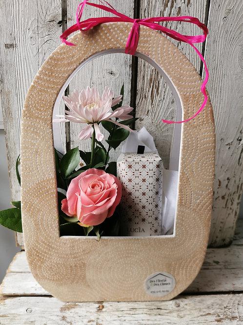 Panier cadeau (fleurs &  douceur)