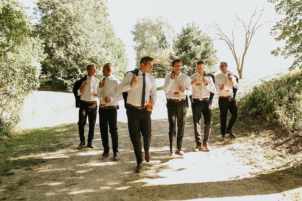 wedding groom, groom outfit, groom ideas, groomsmen ideas, groom suit, wedding suit, wedding photos, wedding inspo, wedding magazine, wedding blog