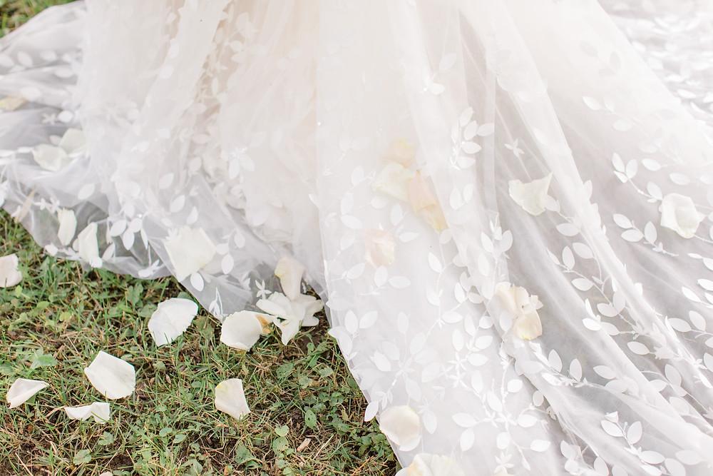 wedding ideas, wedding inspiration, canadian weddings, wedding blog, fine art wedding, luxury weddings, wedding ideas, wedding magazine, wedding dress ideas, floral wedding dress