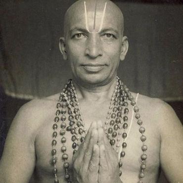 Krishnamacharya-605x734_edited.jpg
