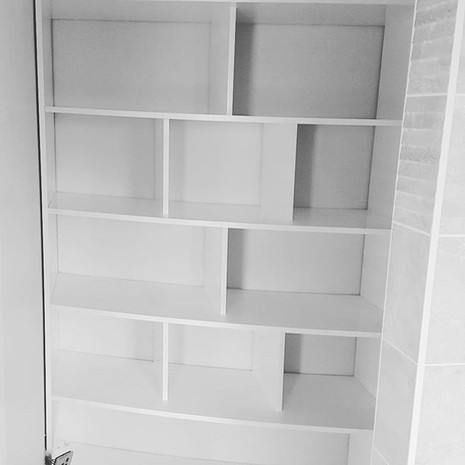 Curved fitted wardrobe