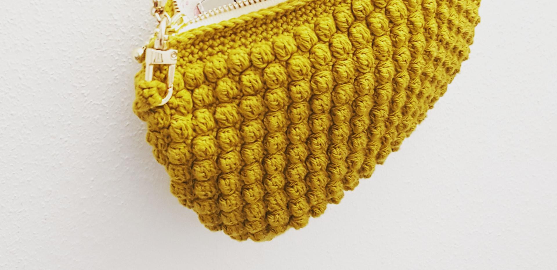 mustard hanging