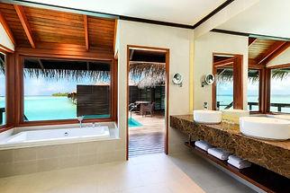 Maldives_Water_Villa_Bathroom.jpg