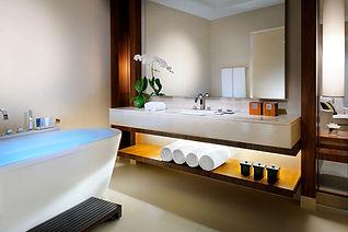 JW Marriott Marquis Dubai Bathroom
