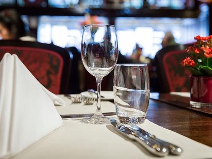 restaurant-table.jpg