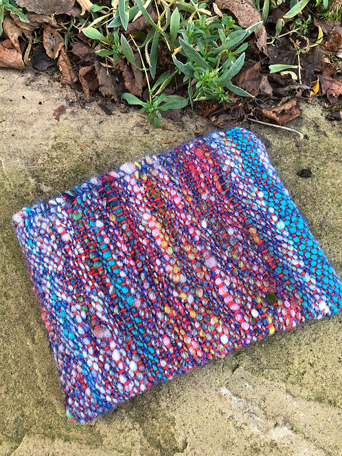 Woven pouch - small