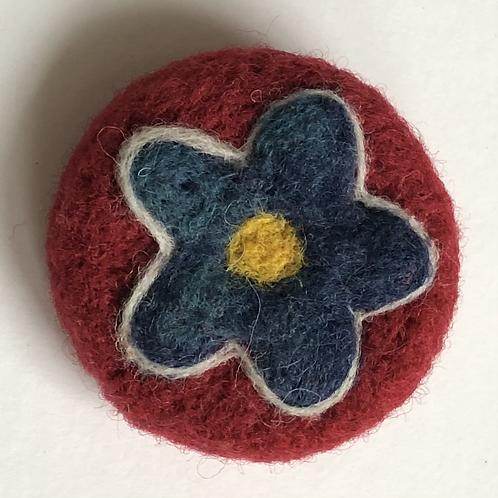 Little flower brooch