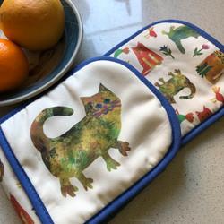 Garden Cats oven mitts