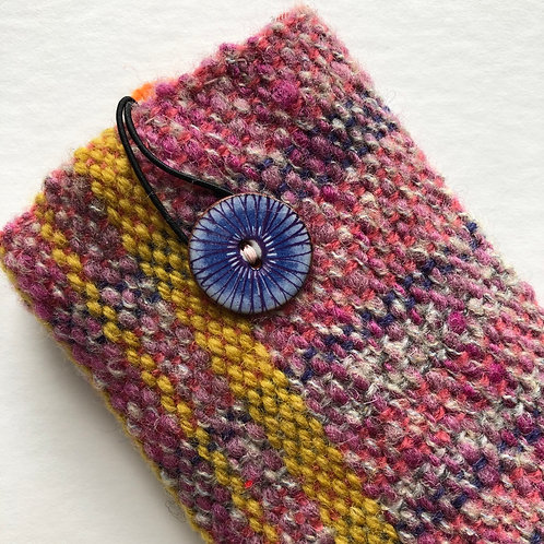 woven glasses case with lining