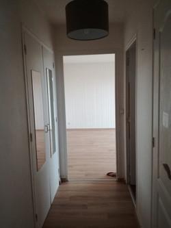Le couloir depuis l'entrée