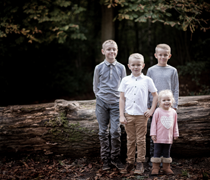 family, portrait, group, reportage, photography, photographer, crawley, sussex, west, surrey, south east, kids, children, baby, tilgate