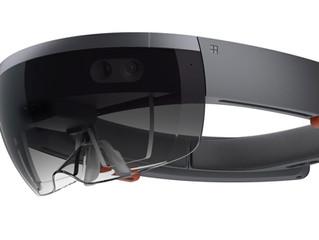 Microsoft HoloLens発売