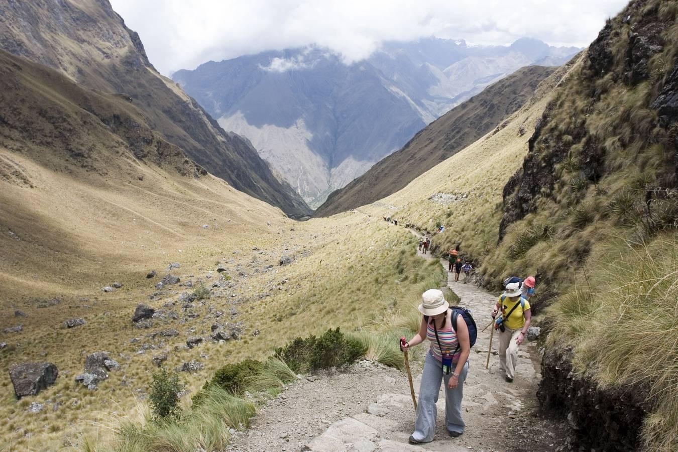 Vlak onder de top van de bergpas Warmi Wanuska of Dead Wowman's Pass
