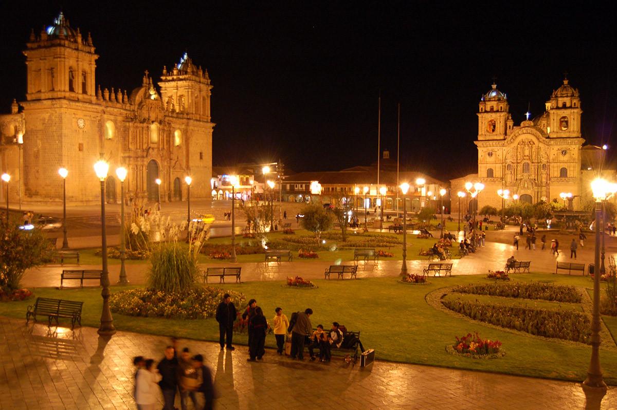 De Plaza de Armas van Cusco in de avond