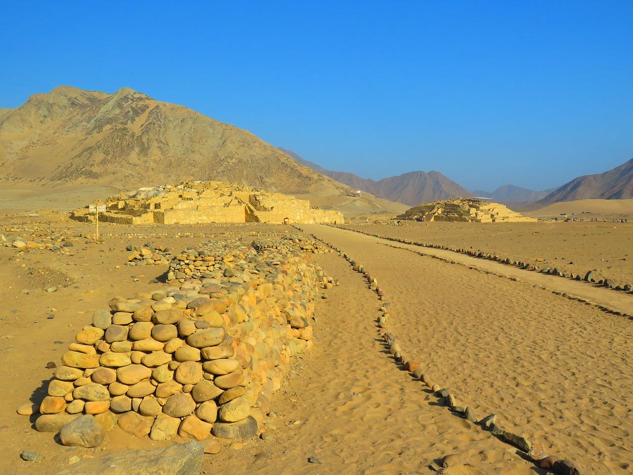 Piramides in Caral