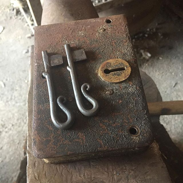 Hand forged keys for a old door lock #tj