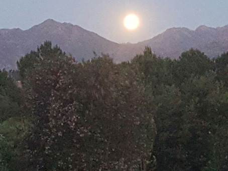 Supermoon rises over Lake Lodge