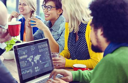reunión del equipo de marketing