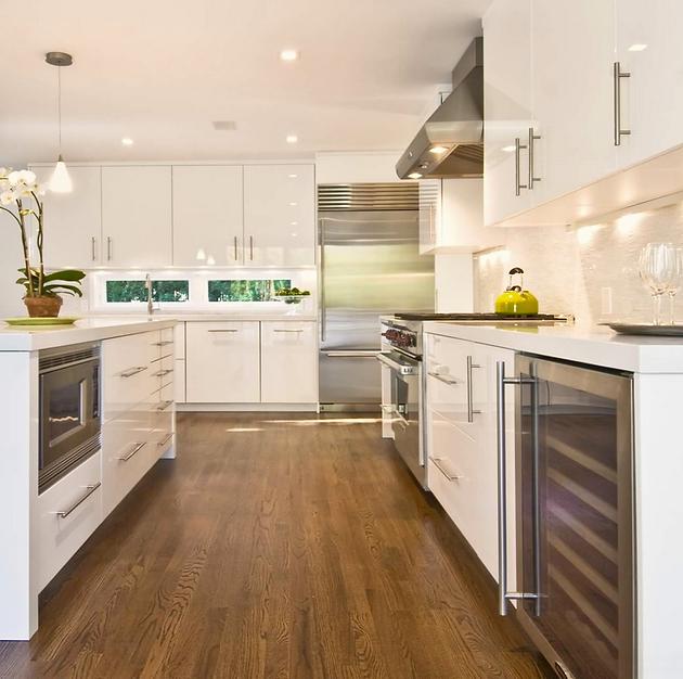 poner tarima flotante en cocinas y baos para mantener el mismo estilo decorativo del resto de la vivienda es una posibilidad muy tentadora gracias a la