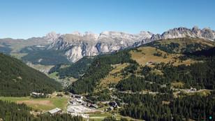 Blick auf Wolkenstein in Südtirol