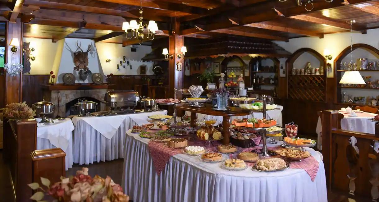 Sala_de_café_-_Buffet_café_da_manhã_e