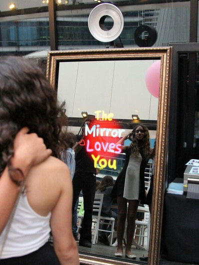 JamBooth Photos Mirror Me Booth, Mirror Loves You