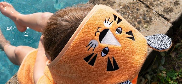 Tigerful poncho plage