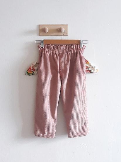 Kalhoty s kapsami růžové