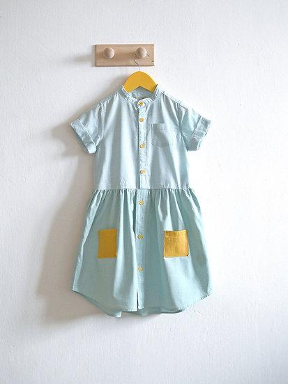 Mentolové šaty vel. 104/110