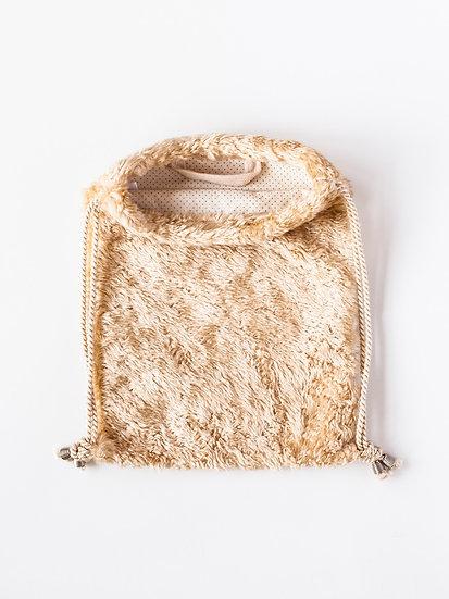 Plyšový batůžek zlatý