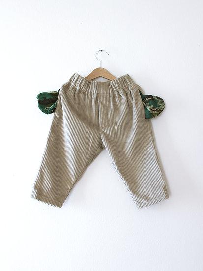 Kalhoty s kapsami zelenkavé