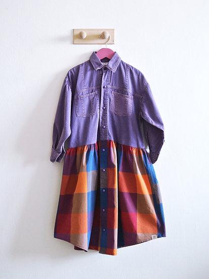 Fialové šaty s kostkou vel. 128/134