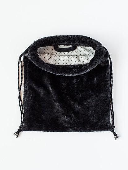 Plyšový batůžek černý